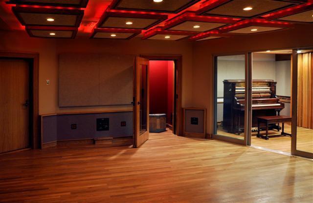ECHO MOUNTAIN RECORDING STUDIO B